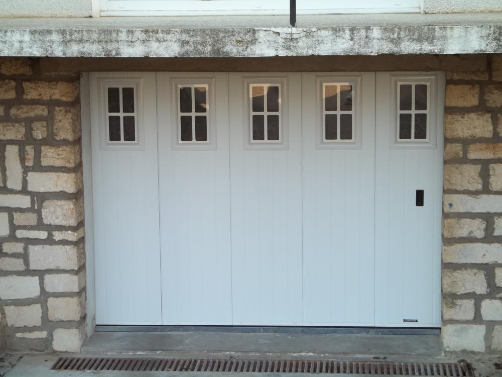 portes de garage battantes leo huynen l 39 esprit d 39 ouverture. Black Bedroom Furniture Sets. Home Design Ideas