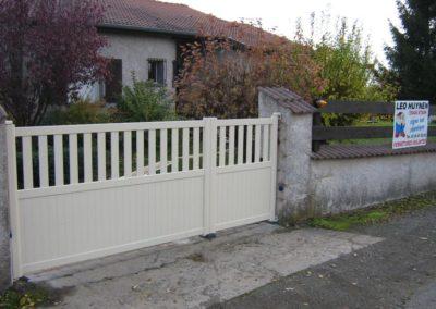 portail ajoure aluminium creme 3
