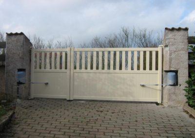 portail ajoure aluminium creme 4