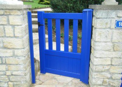portail aluminium ajoure bleu 4
