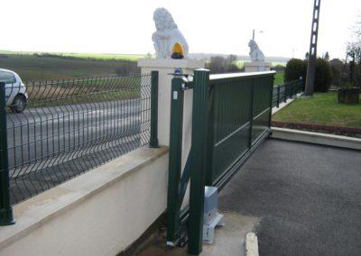 portail aluminium ajoure gris 19