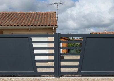 portail aluminium ajoure gris 21