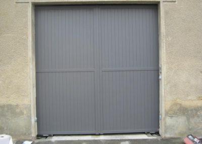 porte de garage battante gris