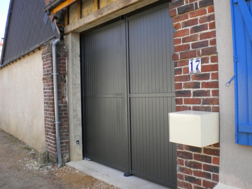 Portes de garage battantes leo huynen l 39 esprit d 39 ouverture - Porte de garage battante ...