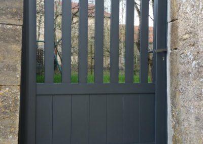 portillon ajoure aluminium gris
