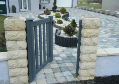 reportage portail aluminium ajoure gris 13