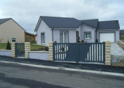 reportage portail aluminium ajoure gris 9