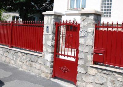 clôture symphonie rouge