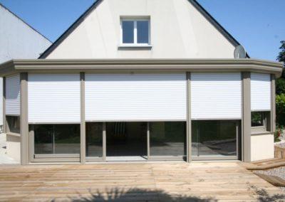duo veranda aluminium gris avec volets roulants 1