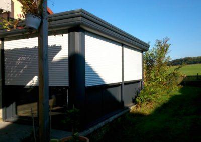 duo veranda aluminium gris volets roulants blanc 1