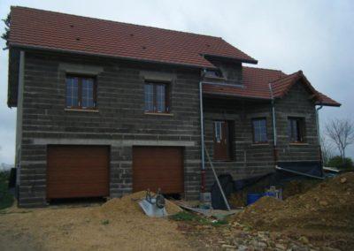 maison menuiseries PVC décor chêne doré