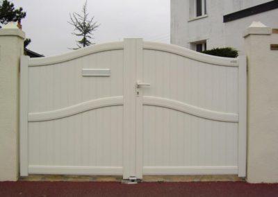 portail aluminium plein creme