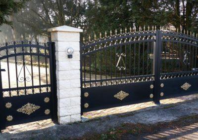 portail aluminium tradition noir