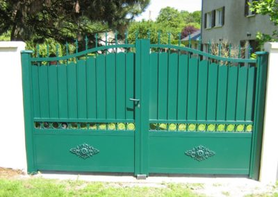 portail aluminium tradition vert 1