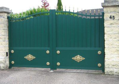 portail aluminium tradition vert 2