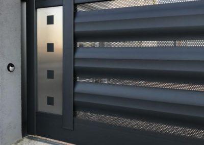 portail coulissant deco aluminium gris 1
