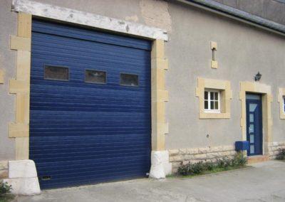 porte de garage sectionnelle bleu 3