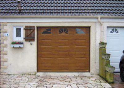 porte de garage sectionnelle décor chêne doré 8