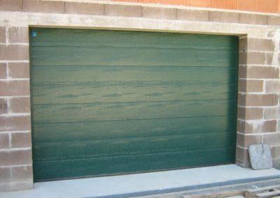 porte de garage sectionnelle vert