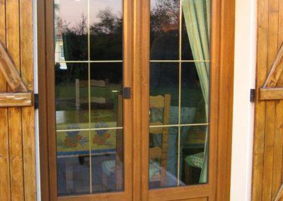 porte fenêtre PVC décor chêne doré 1