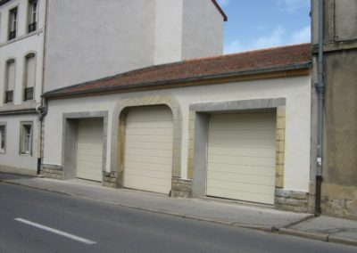 portes de garage sectionnelles creme